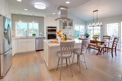 beach+cottage+contemporary+kitchen+wide+shot
