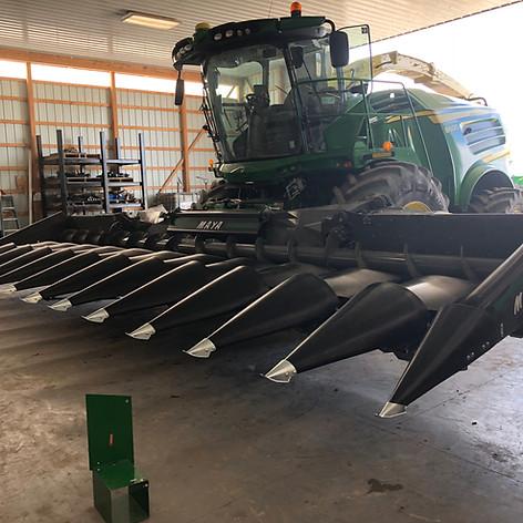 MAYA America Corn Head Black 2019 Deere