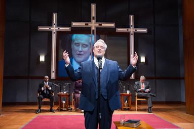 the-christians_theater-j2-1.jpg