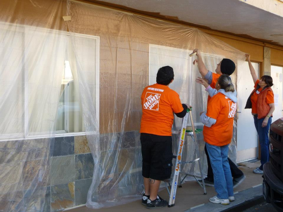 Home Depot Volunteers at Veterans Village