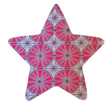 Star pin board - 'pink daisy'