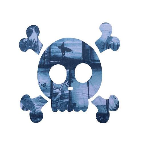 Skull & Crossbones pin board - 'surfilm''