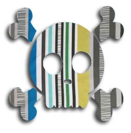 Skull & Crossbones pin board - 'sticks'