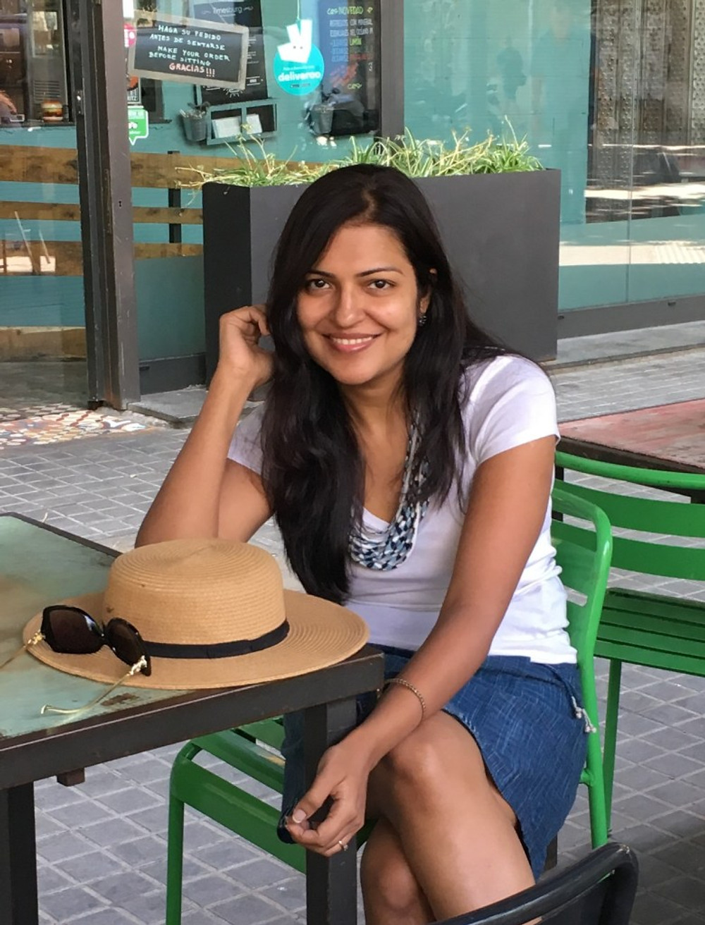 interview with author Richa S Mukherjee - photo of the author