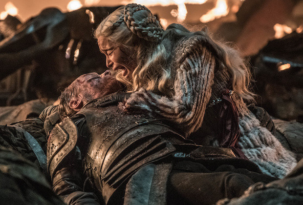 how not to write a death scene - daenerys crying and nothing comes from it