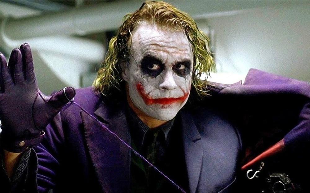 the best way to introduce a villain or antagonist - when a villain/the Joker lies