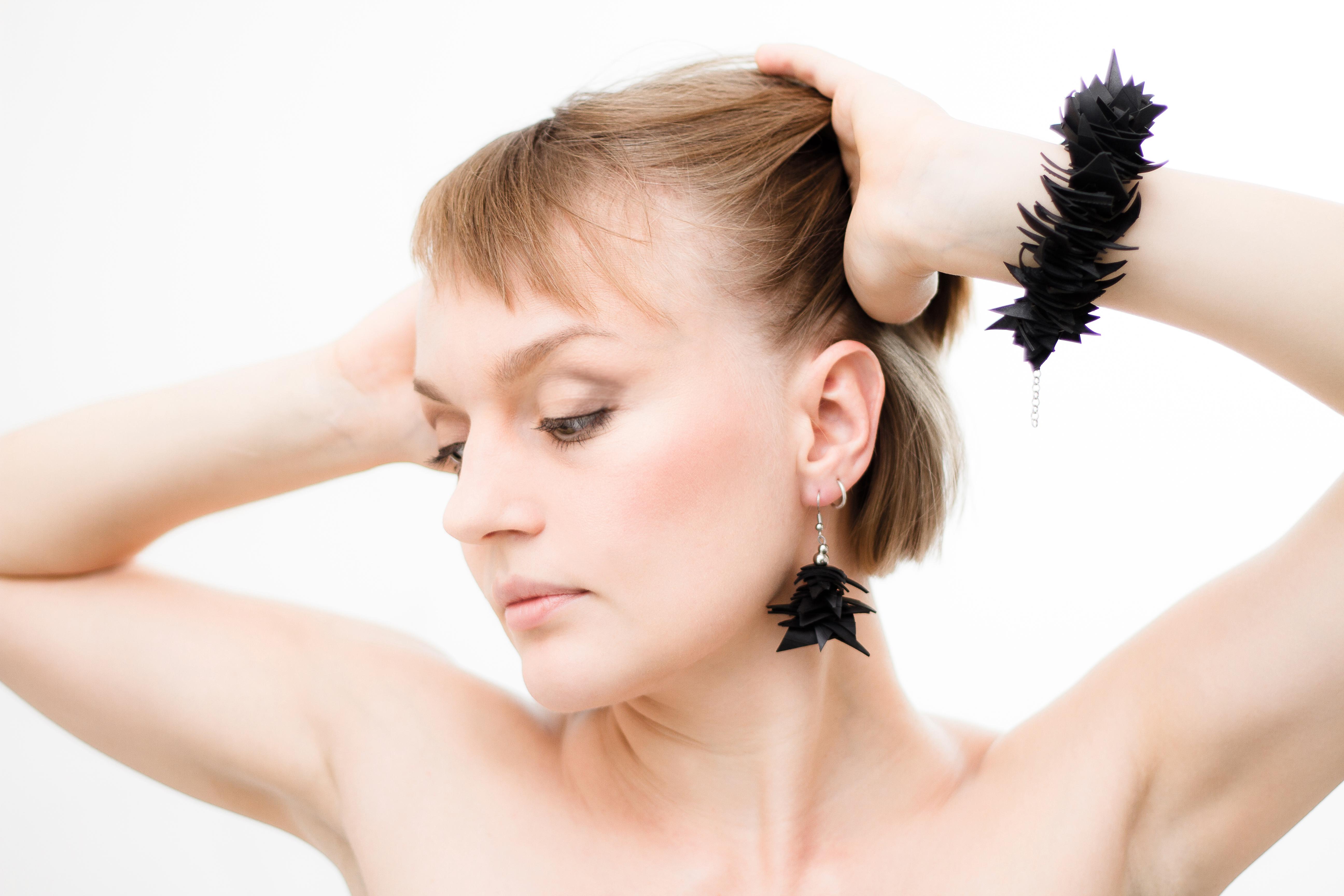 pine set . bracelet & earrings