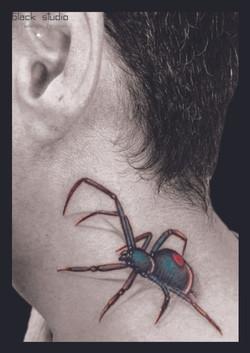 tattoo ragno collo