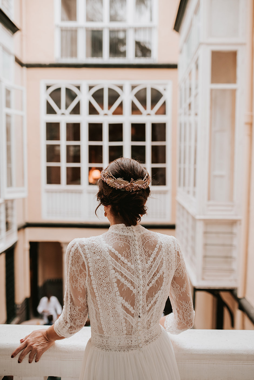 novia balcón boda