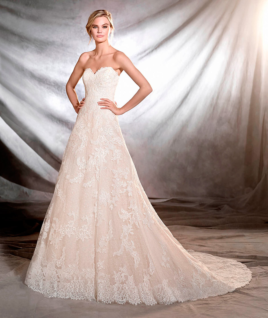 vestido novia encaje escote corazon