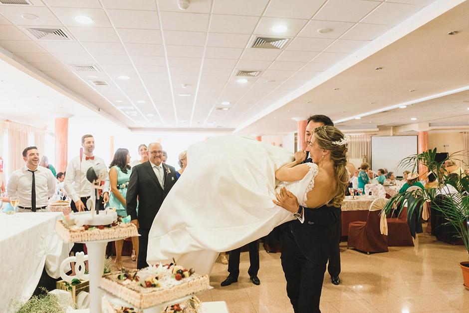 corte tarta novios boda