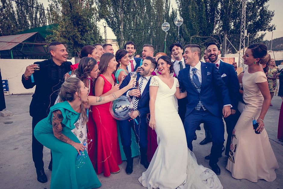 grupo amigos boda