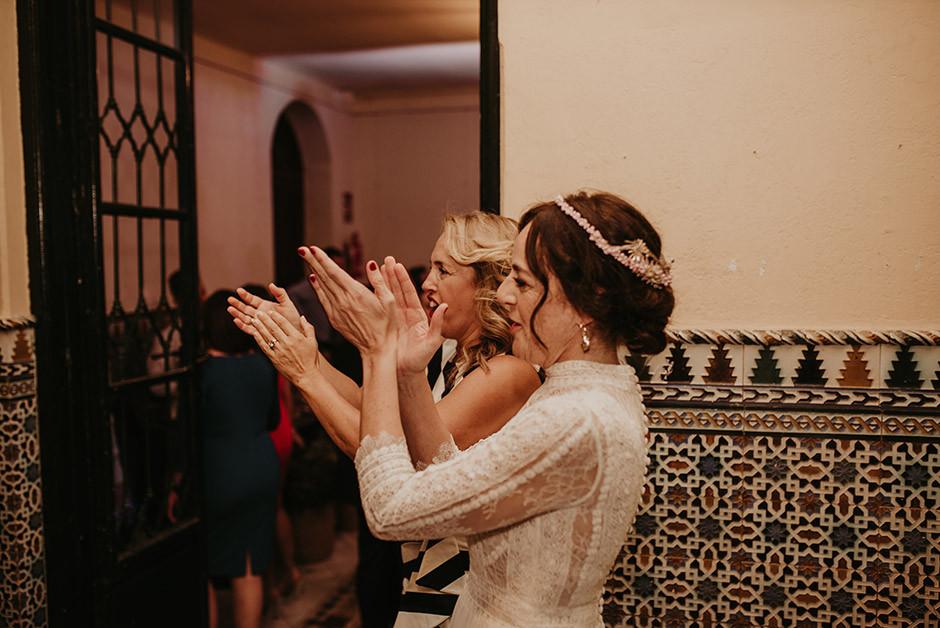 novia bailando fiesta barra libre