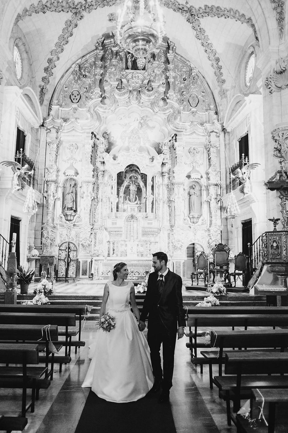 novios iglesia boda
