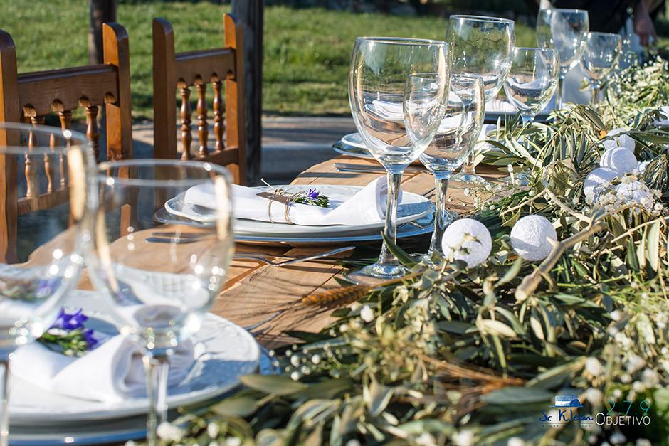 decoracion mesa presidencial boda ramas olivo