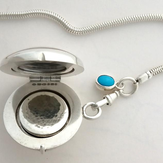 Pocket locket