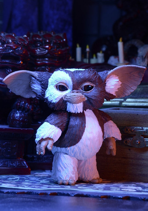 "NECA Gremlins - Ultimate Gizmo 7"" Scale Action Figure"