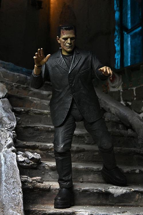 NECA Universal Monsters – Ultimate Frankenstein's Monster (Full-Color Version)
