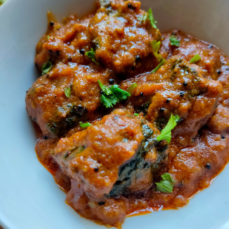 Stuffed Karela / Bharli Karli - Maharashtrian Style Gravy