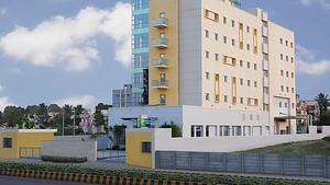 Hotel Review : Holiday Inn Express Nashik Indiranagar