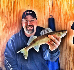 """Facebook - The walleyes are 'Lunchin'"""" my rippin Rap!! On the board !"""