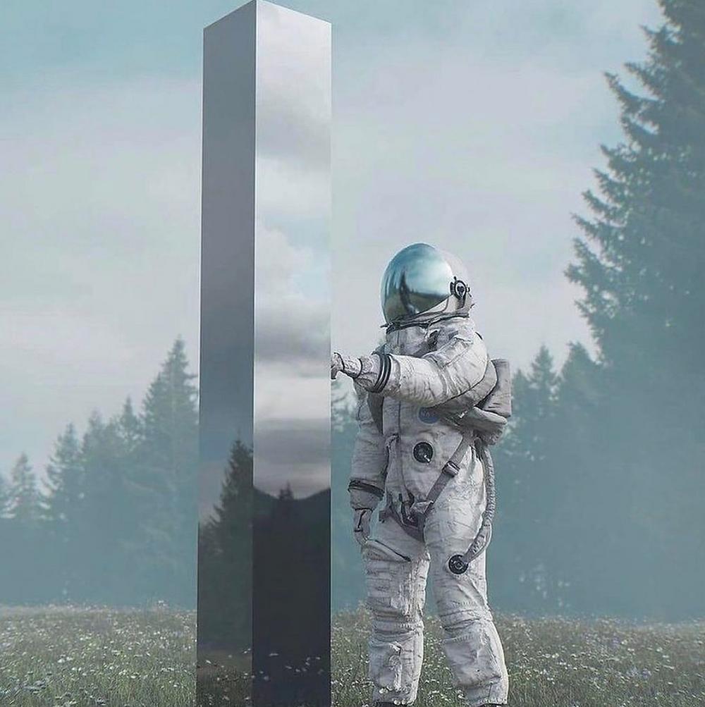 Primo avvistamento di un monolite in Utah (USA):  prime tracce di un alieno oppure un'opera di un artista sconosciuto?