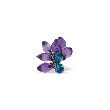 forget-me-not blossom flower ear stud front view