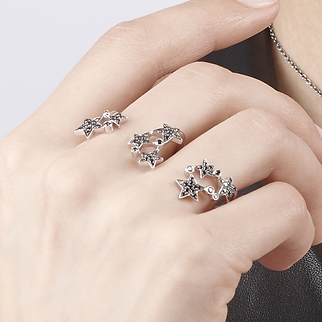 close_up_of_make_a_wish_in-between_ring.