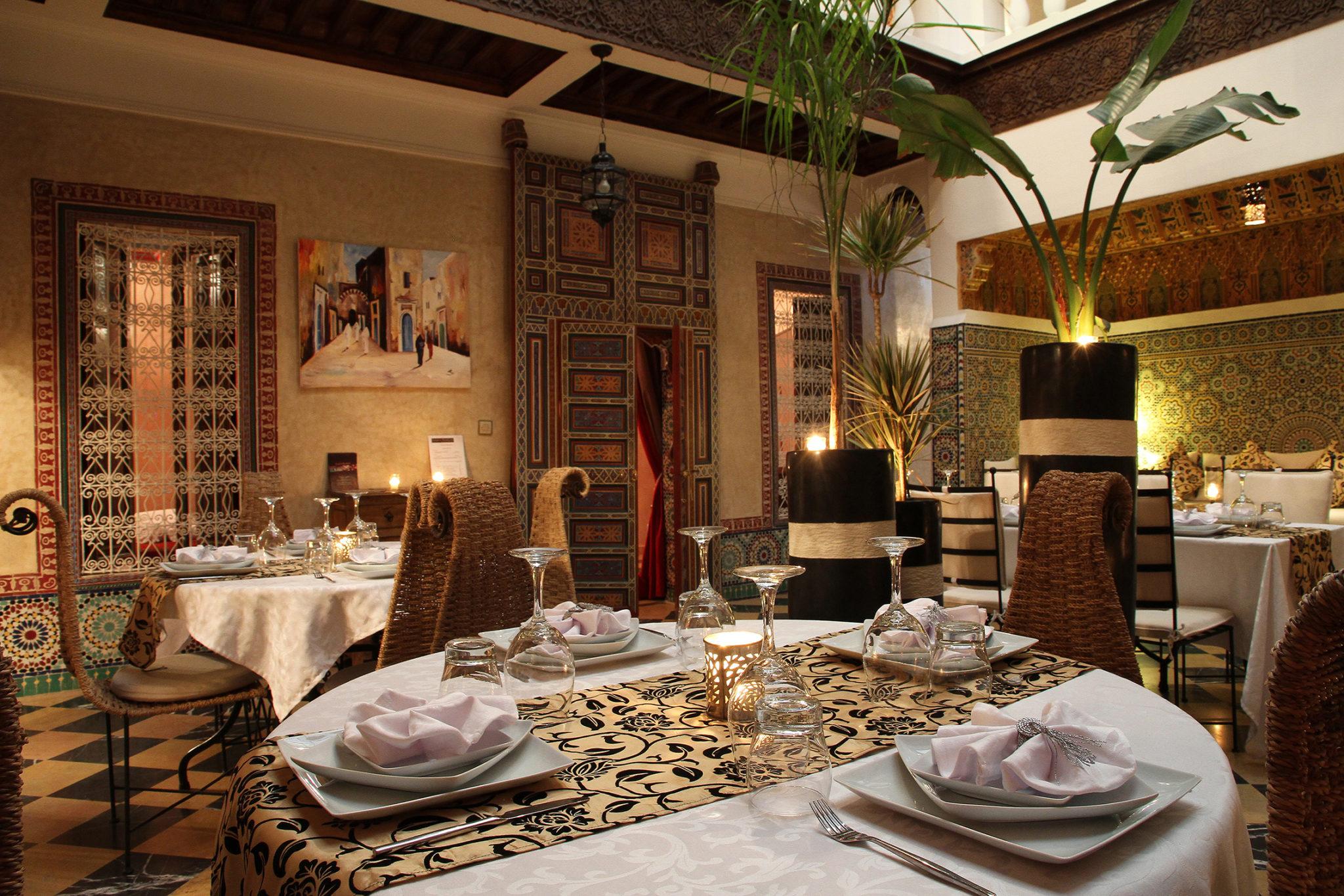 photo maroc salle  a manger.jpg