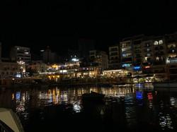スピノーラ湾の夜景