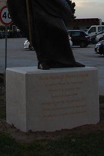 Escultura da Beata Maria do Divino Coraçãoata Maria 03.jpg
