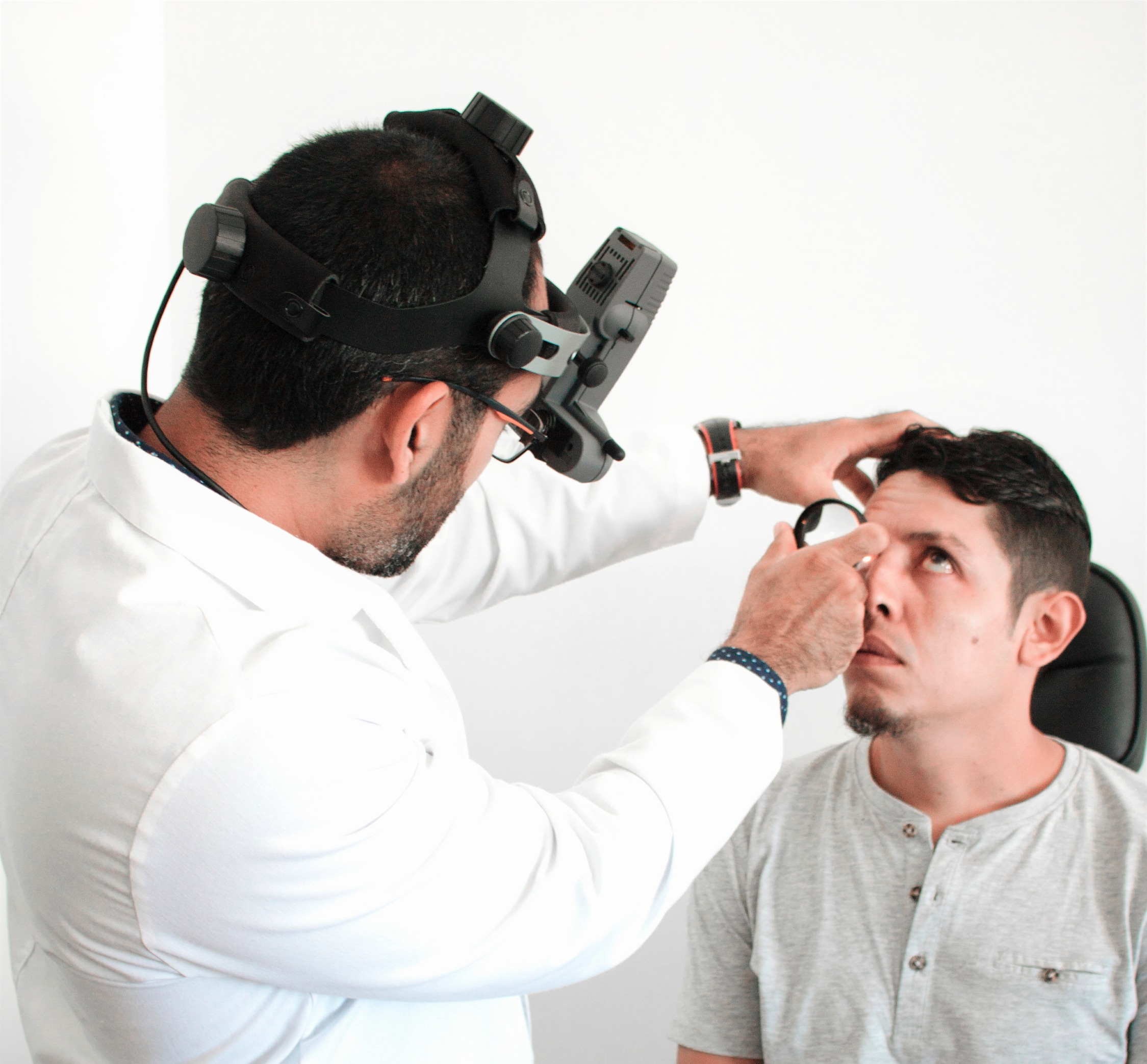 carlo estrada oftalmologo