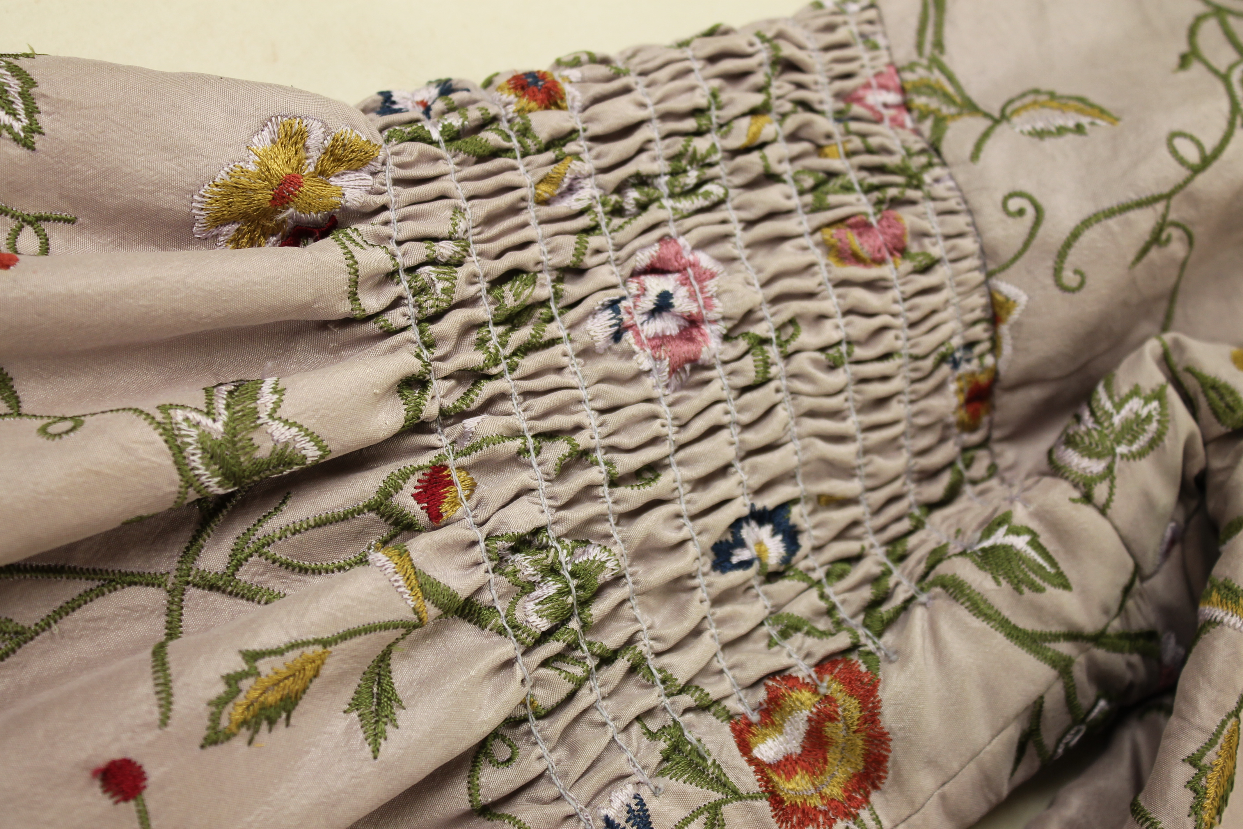 Shirring Detail Sleeve