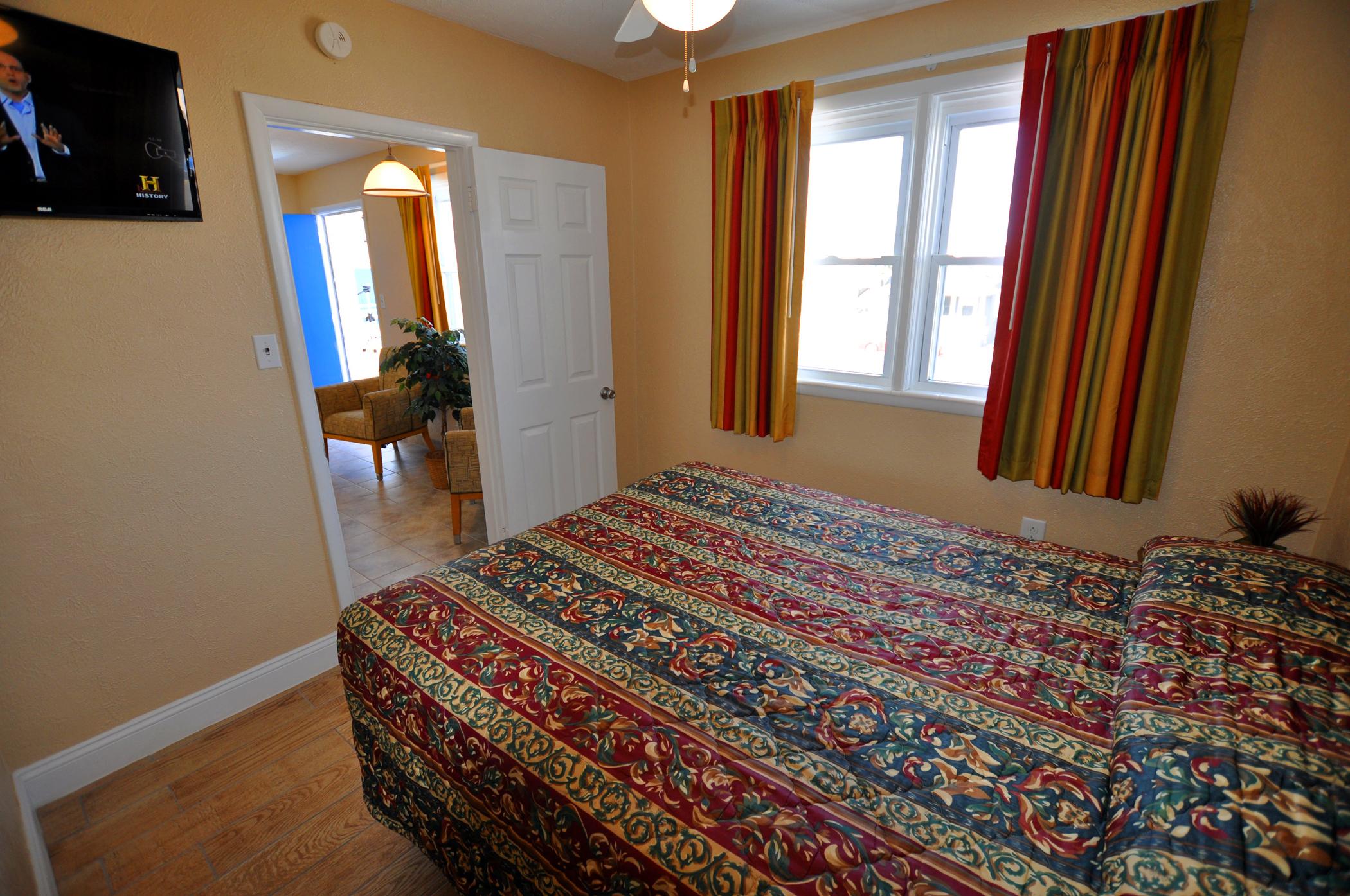 Type E Room Queen Bedroom