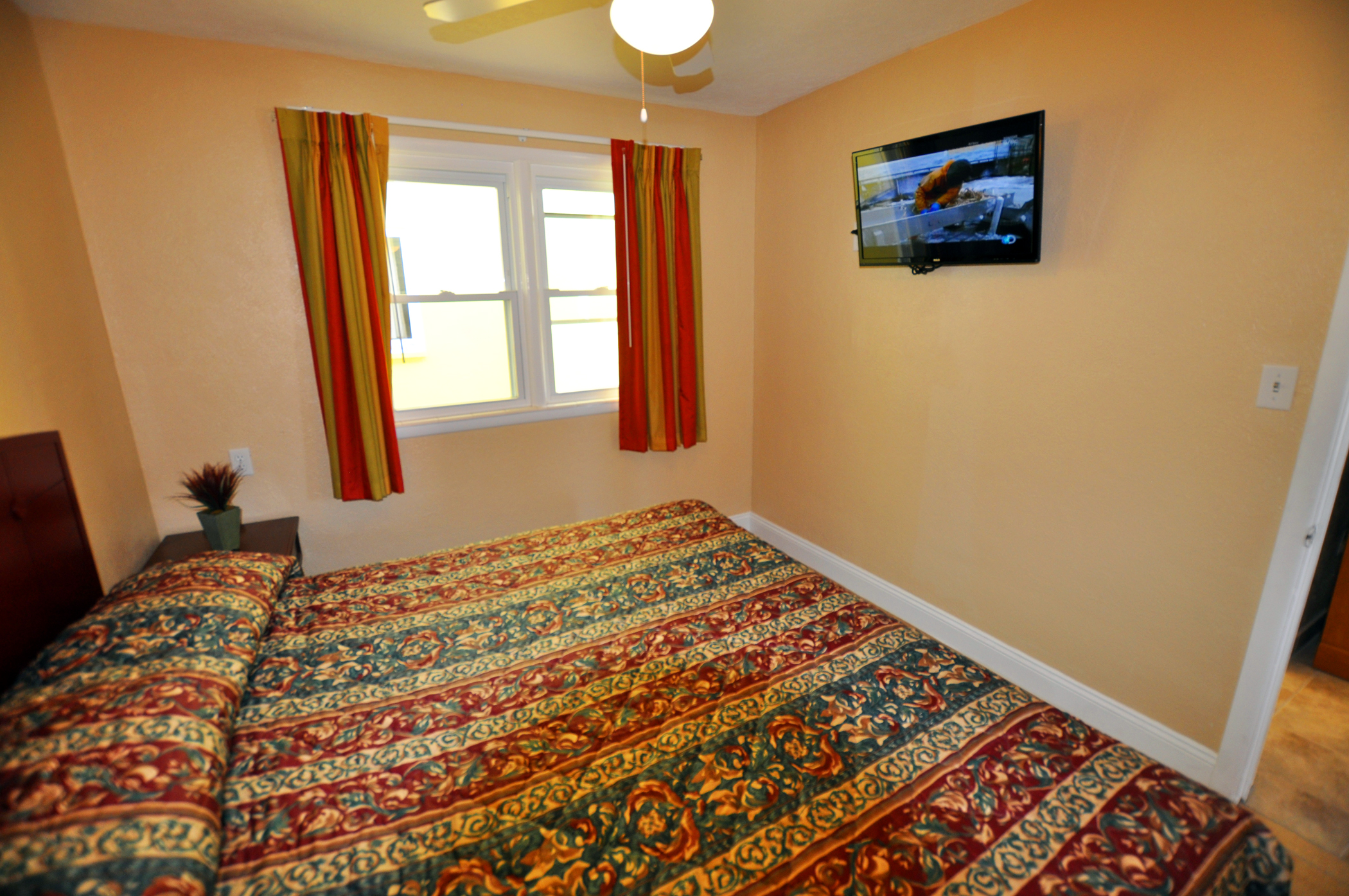 Type E Room King Bedroom