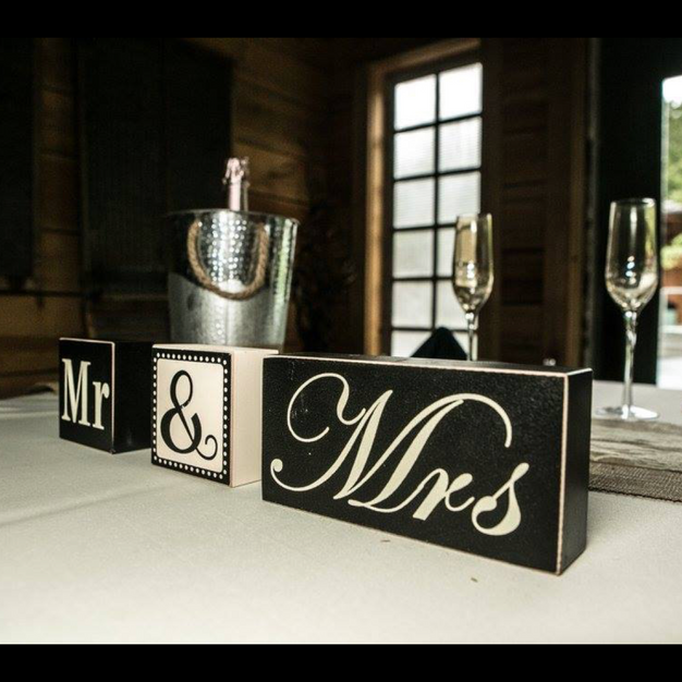 Mr and Mrs Block Sign
