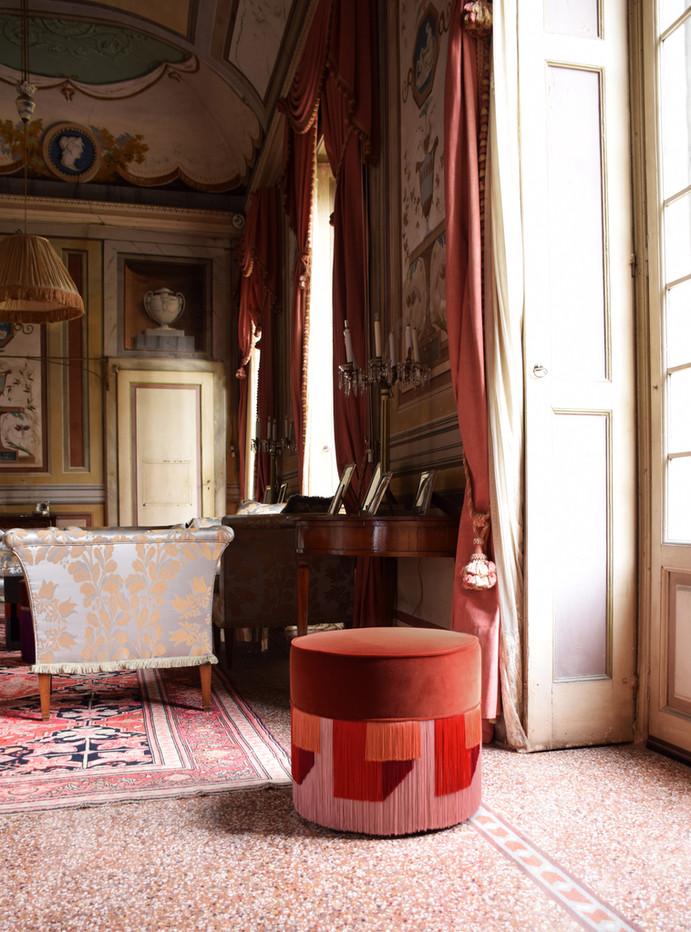Geo diam 50 cm cognac context 1.jpg