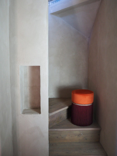 Bi-colour orange-bordaux pouf diameter:30 cm
