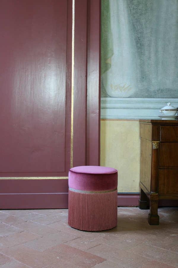 Pink plain pouf diamter: 30 cm