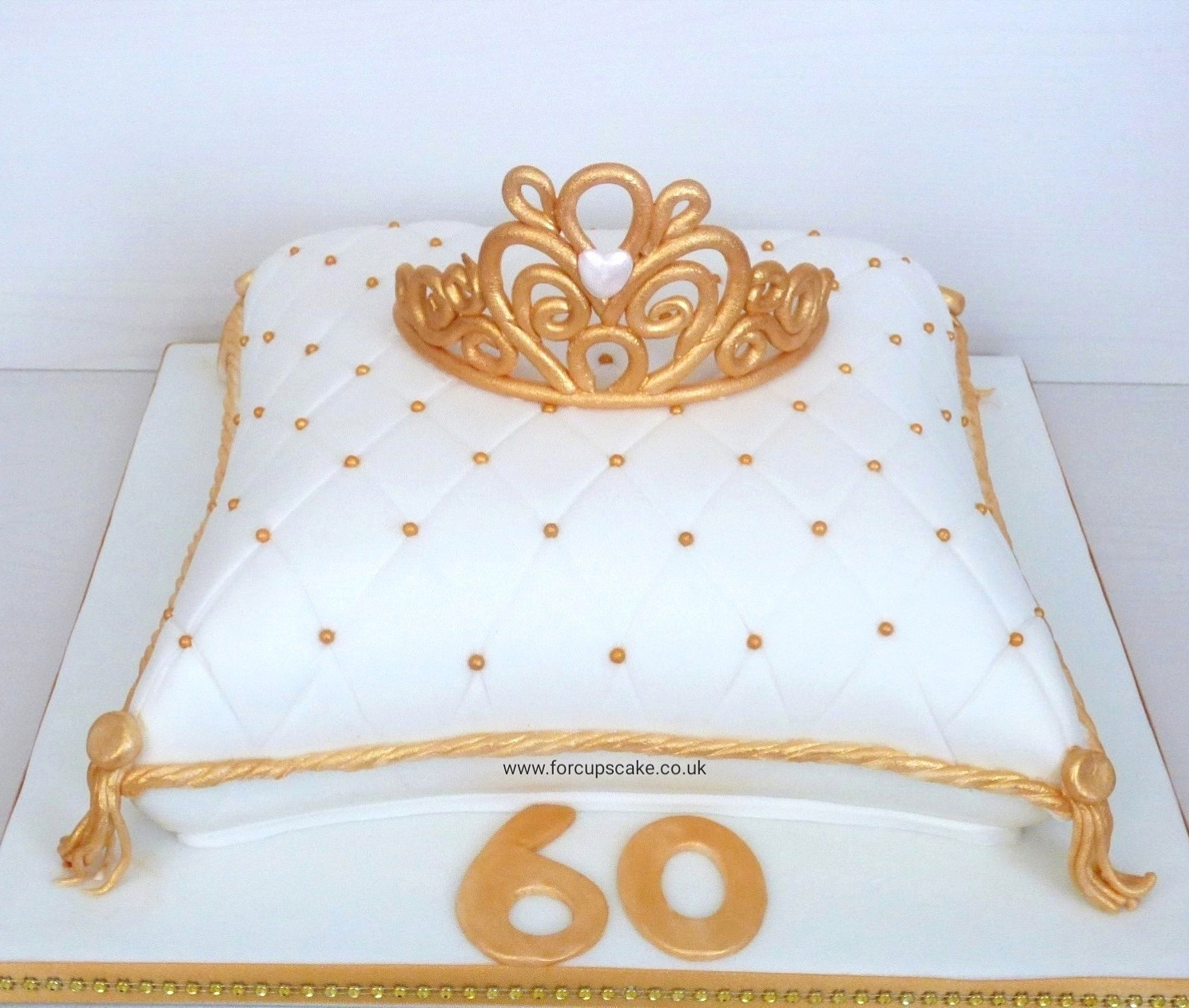 Gold/White Tiara Cushion Cake