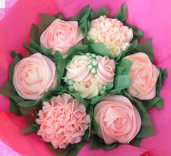 Small Pink & White Cupcake Bouquet