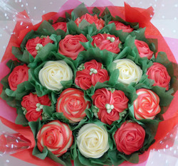 Extra large Red & White Cupcake Bouquet