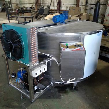 охладитель молока 1000.jpg