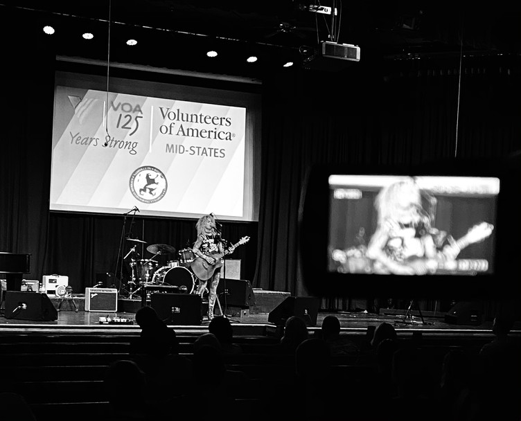 Clare Cunningham performs at this years 'Volunteers of America' fundraiser