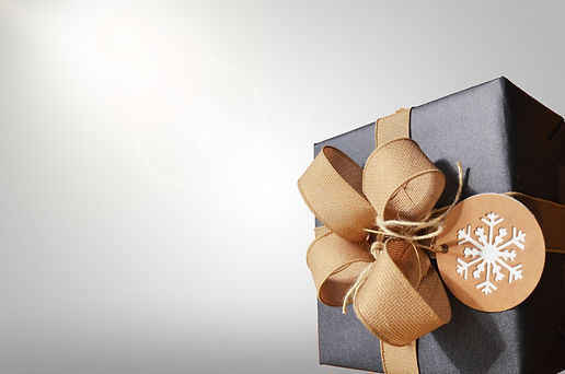 brown%20and%20black%20gift%20box_edited.