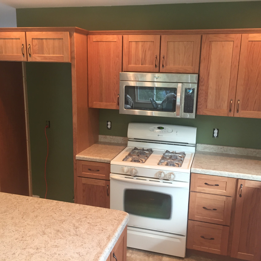 New Oak Cabinets & Laminate Counters