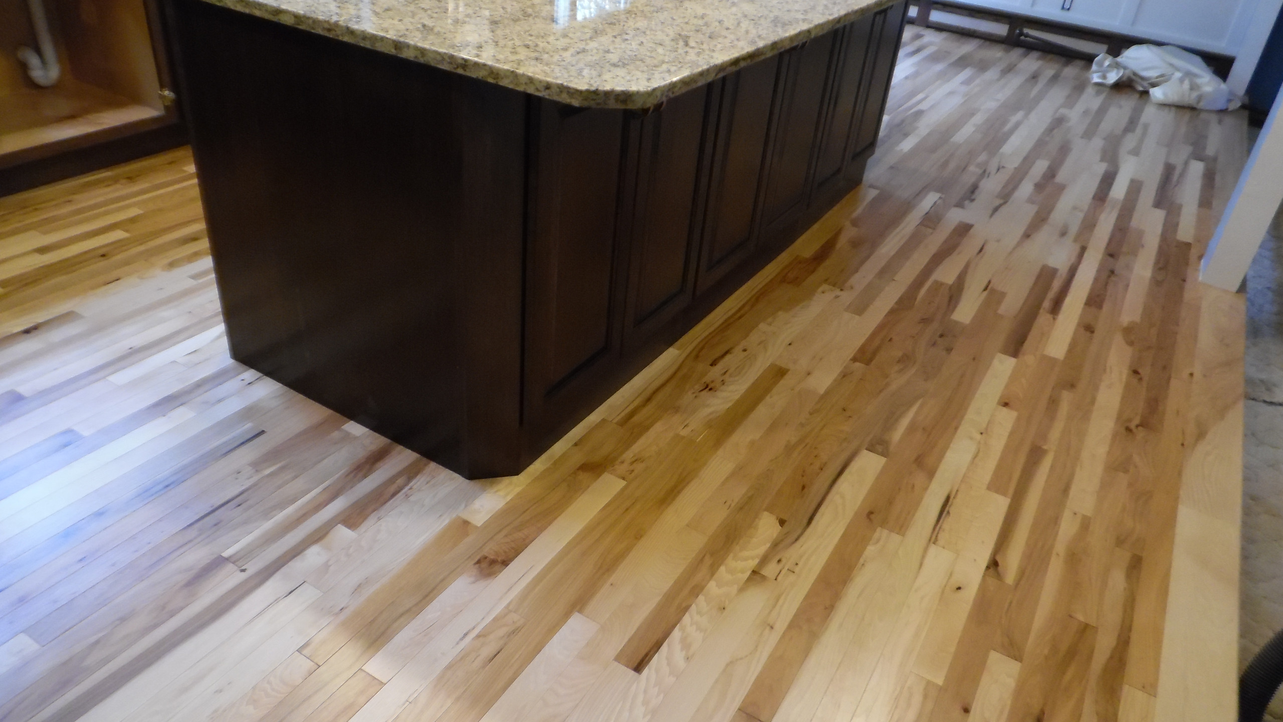 Granite, Cabinets, Hickory Floor (23)