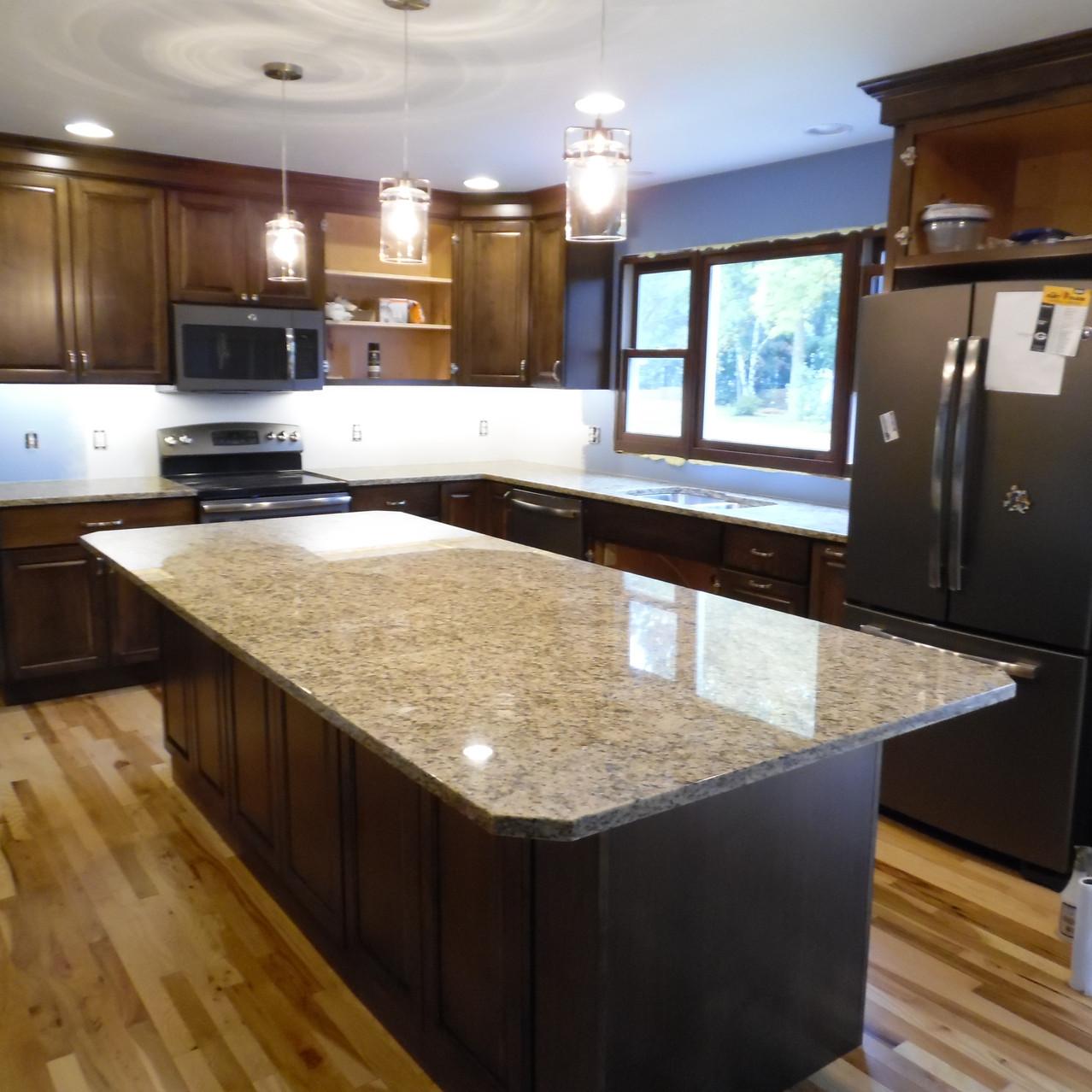 Santa Cecilia Granite, Cabinets, & S