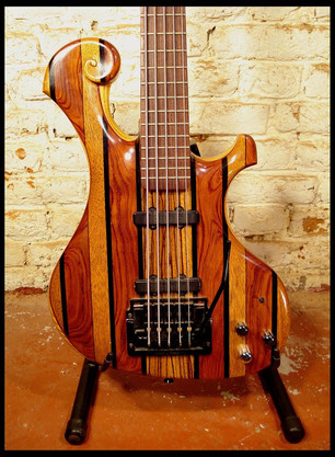Stripe bass body