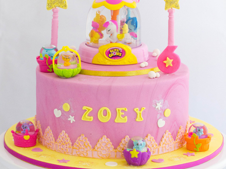 Glitzi Globes Cake For Zoey